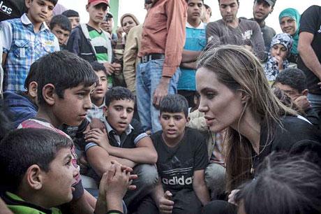 angelinajoliejordanrefugees