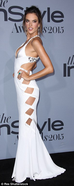 2DD2944000000578-3291041-She_s_all_white_Joining_Kim_in_white_was_model_Alessandra_Ambros-a-87_1445912496063