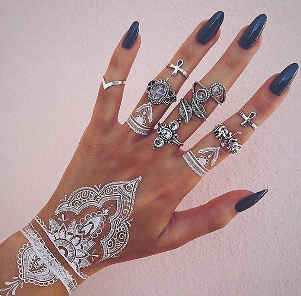 white-henna-tattoo-temporary-women-instagram-trend-49__605