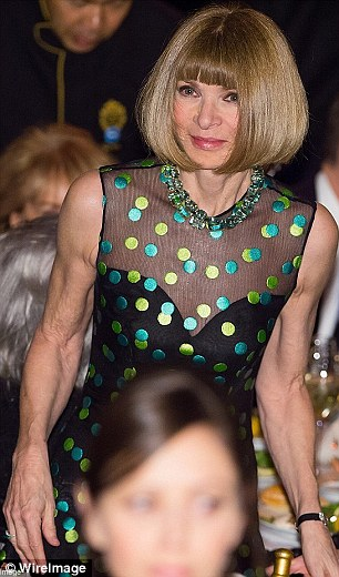 2E1AADD700000578-3306150-American_Vogue_editor_in_chief_Anna_Wintour-a-4_1446814213532