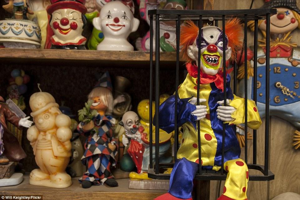 6-clown-hotel