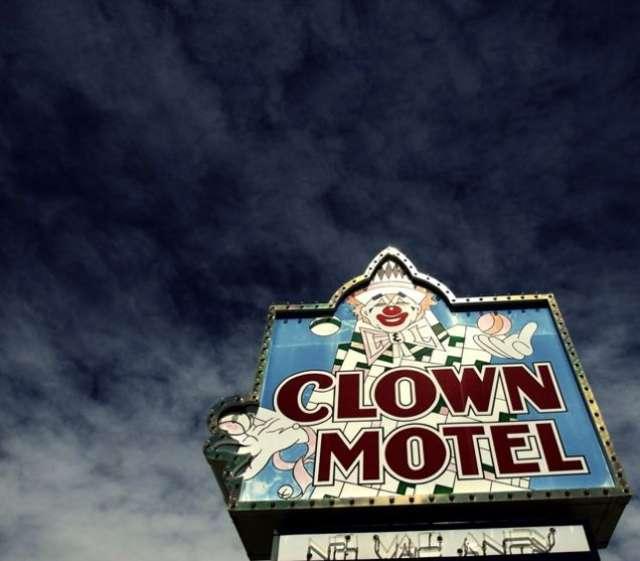 clown-motel