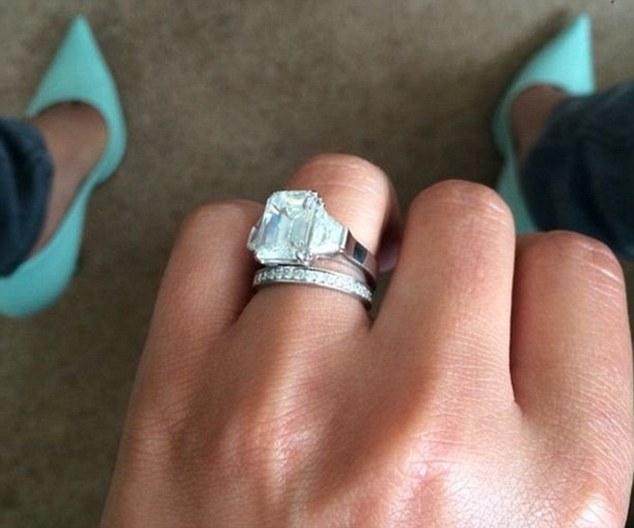 2F44BB9900000578-3356752-Happy_ending_Cheryl_and_JB_married_in_secret_in_July_2014_follow-m-19_1449872258121