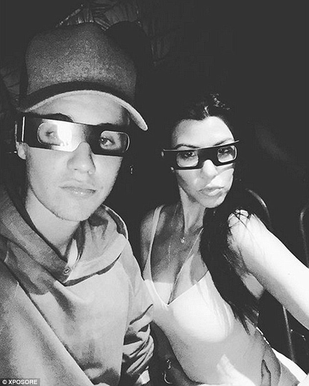 2F534AAD00000578-3358900-She_loves_a_man_in_glasses_The_pair_appeared_in_an_Instagram_pic-a-21_1450074970652
