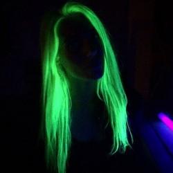 dzc0n-glow-hair-5.jpg
