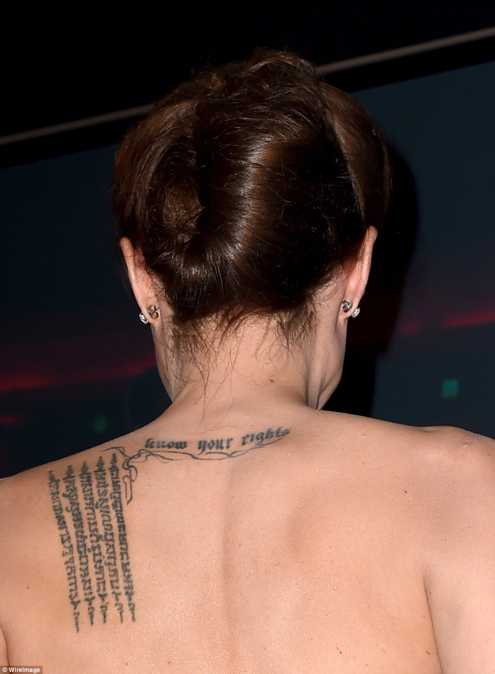 30FA4A6C00000578-3436271-This_is_what_her_back_USED_to_look_like_The_Tomb_Raider_star_wit-a-129_1454885582870