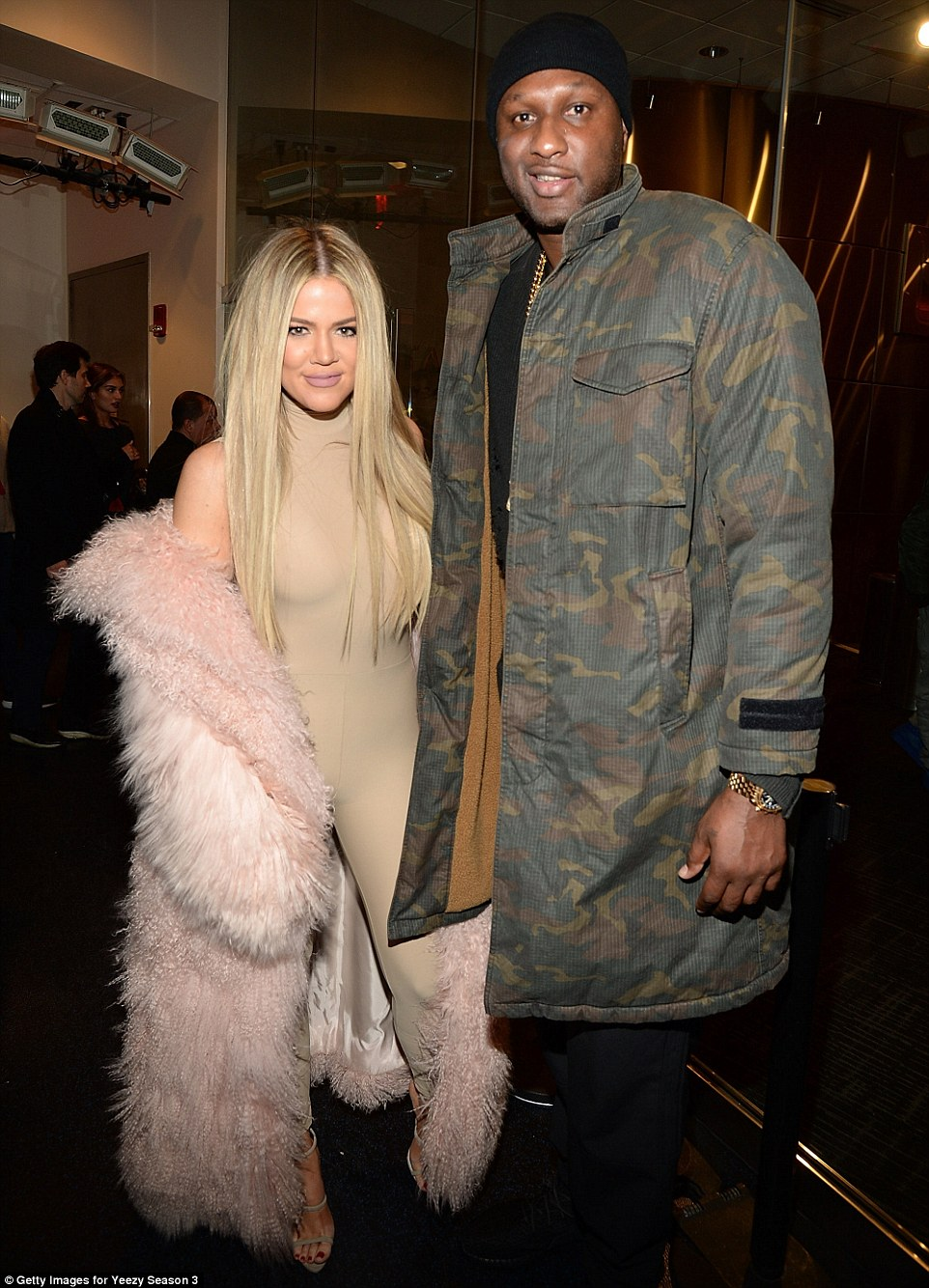 311C33FD00000578-3443170-He_s_back_Lamar_Odom_made_his_first_public_appearance_since_his_-a-148_1455237369744