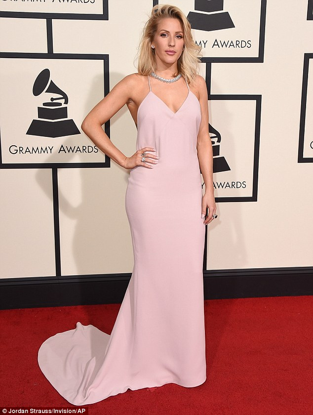 313F84E400000578-3448786-Stunning_Ellie_Goulding_left_made_sure_she_stood_out_from_the_cr-m-89_1455589368022