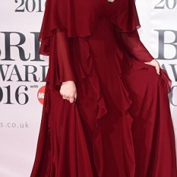 3185AEB100000578-3462873-Music_s_finest_Kylie_Minogue_left_and_Adele_right_were_absolute_-a-29_1456362437023