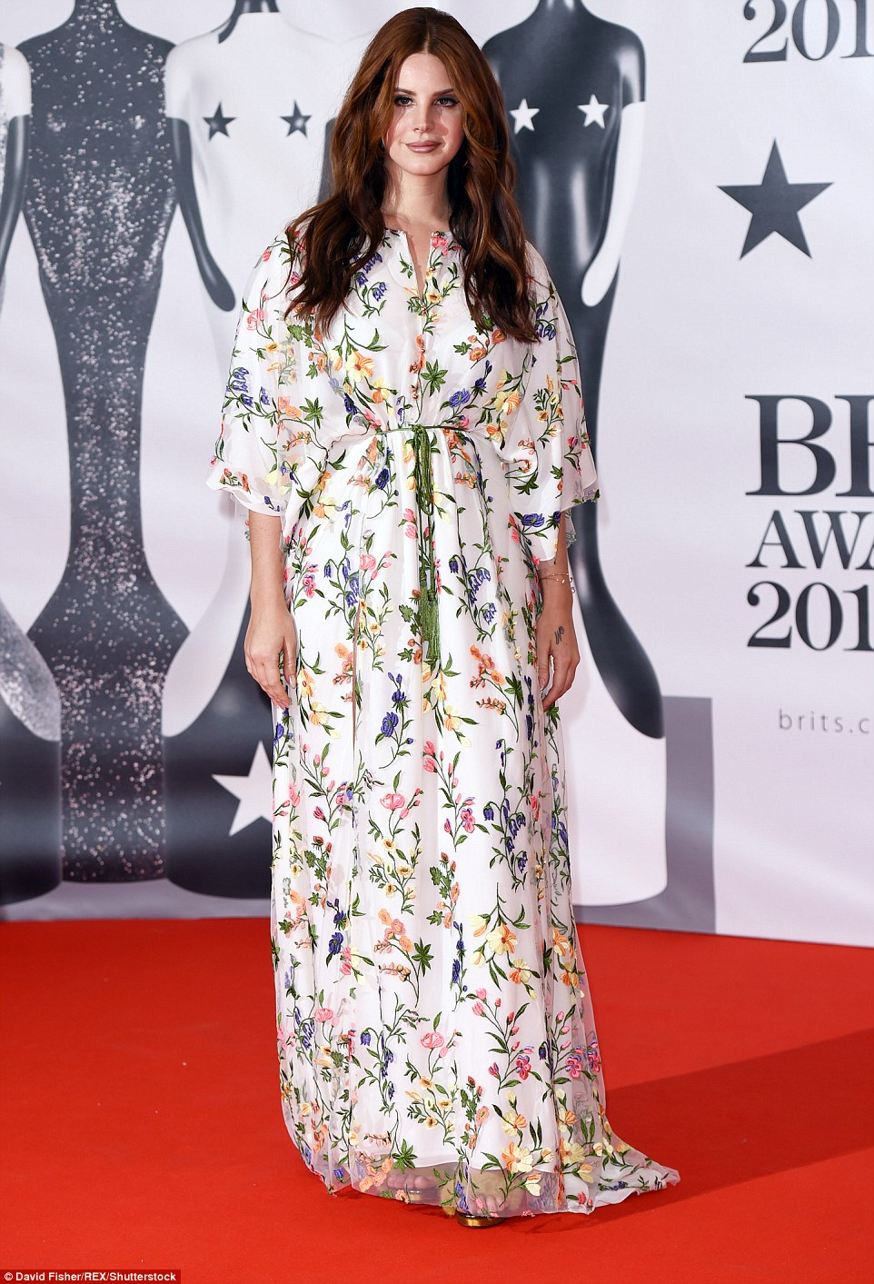 3185D68500000578-3462539-Country_singer_Lana_Del_Rey_opted_for_what_can_only_be_described-m-17_1456343995242