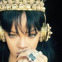 Rihanna-600×400