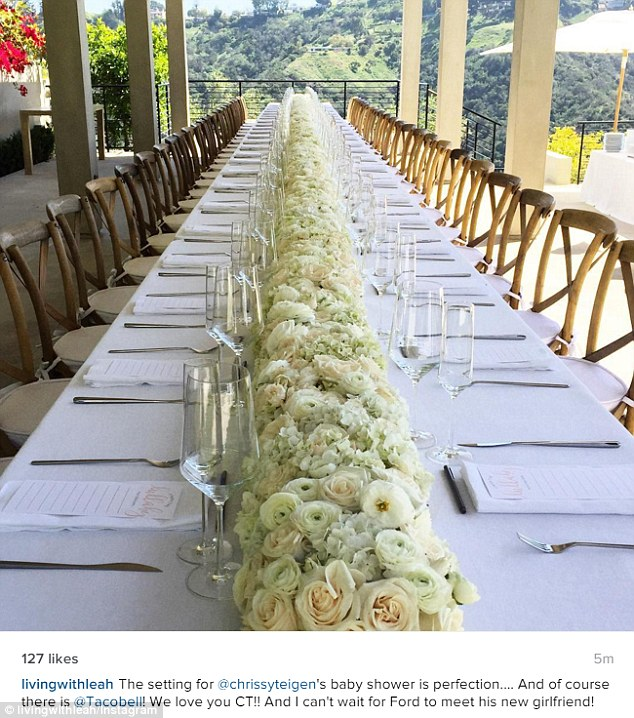 329405C900000578-3510839-Pretty_The_lavish_table_was_decorated_with_gorgeous_white_flower-m-154_1459031740635