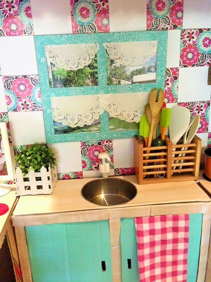how-to-create-a-mini-cardboard-kitchen-for-you-toddler-7__700