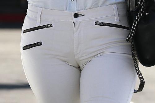 khloe-kardashian-cameltoe
