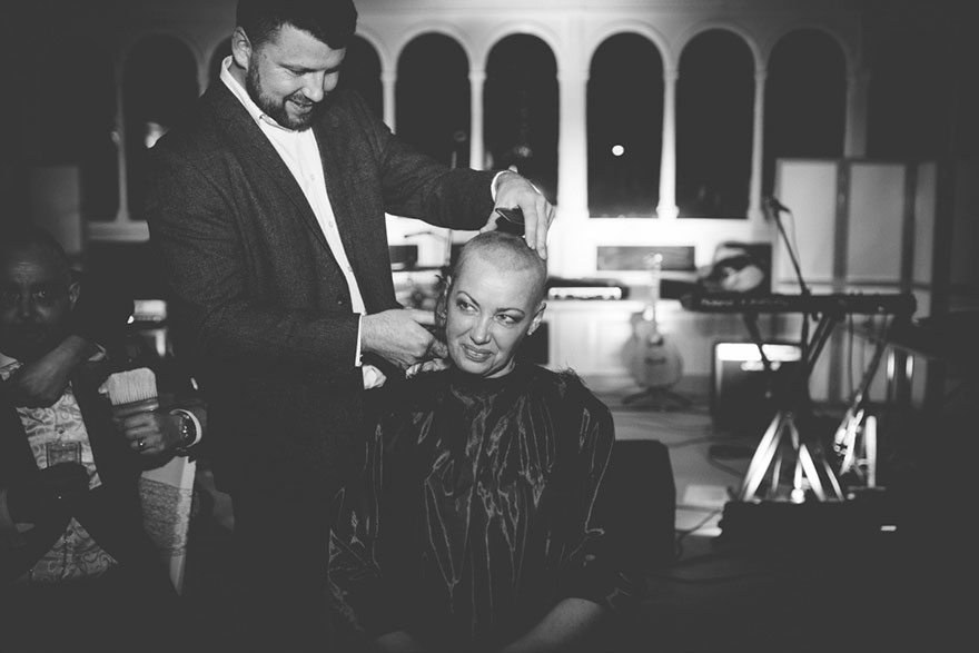 bride-shaves-hair-cancer-terminally-ill-husband-craig-joan-lyons-10