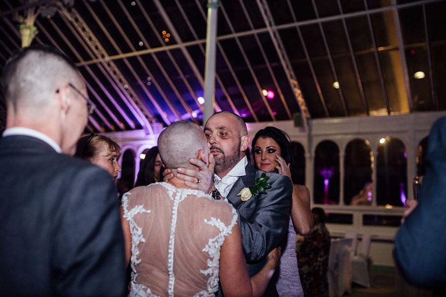 bride-shaves-hair-cancer-terminally-ill-husband-craig-joan-lyons-13
