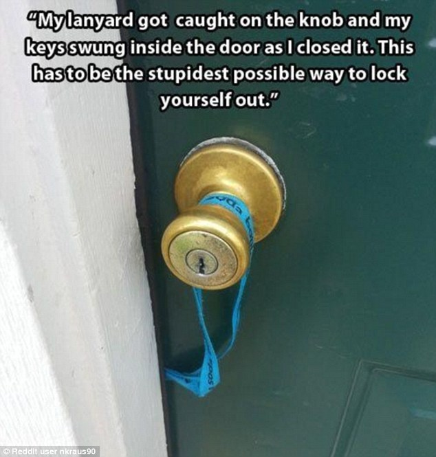 33A05ACE00000578-3564133-This_lanyard_stuck_in_a_door_is_all_the_more_frustrating_because-a-61_1461883098585