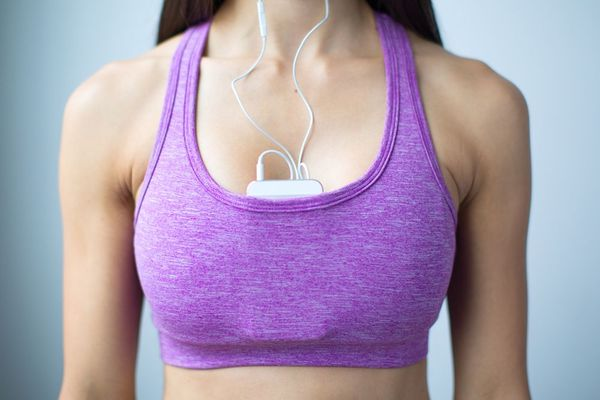 Swoob-Racerback-Pocket-workout-Sports-Bra-swoob-iphone-close--56a9dbd05f9b58b7d0ff9050
