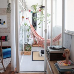 balcony-decorating-ideas-27-573c3b381b58a__700