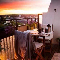 balcony-decorating-ideas-53-573d904fbcd09__700