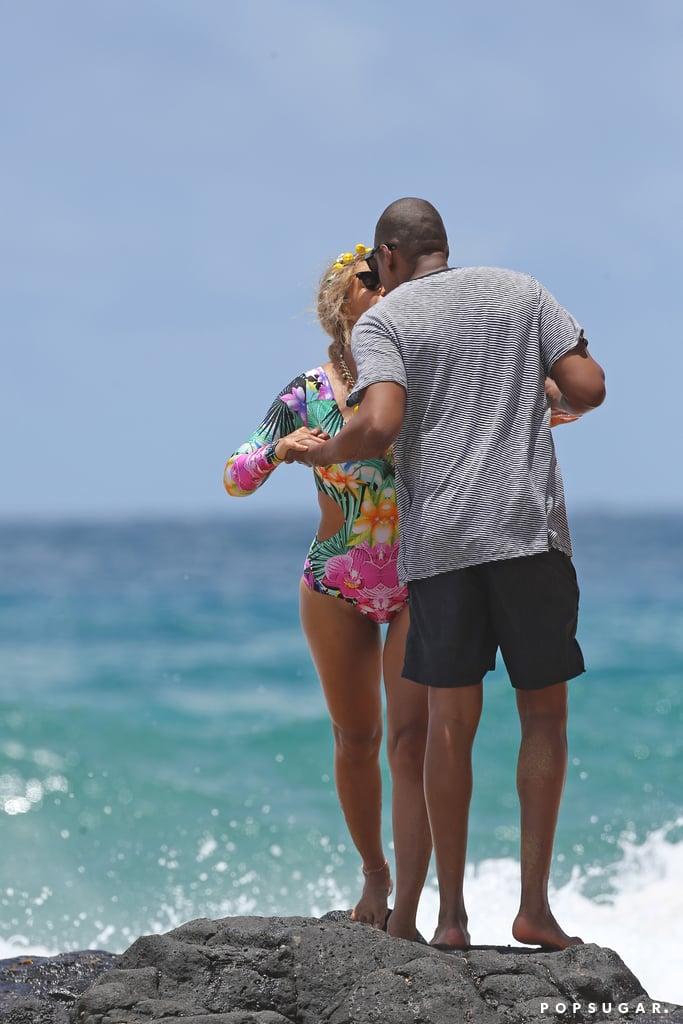 Beyonce-Jay-Z-Hawaii-June-2016 (2)