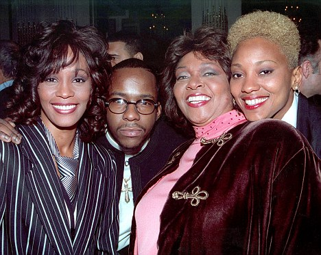 ******************** Image downloaded from IDS by PDmail at 21:13 on 17/02/12 for Mail on Sunday - Associated Newspapers ******************** Whitney Houston, Bobby Brown, Cissy Houston, and Robin Crawford at the Arista Pre-Grammy Party. February 1, 1994. ©ÊLenny Baker/ Retna Ltd.