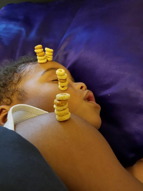 cheerio-challenge-dads-stack-cheerios-babies-funny-competition-12-5765190f3c334__605