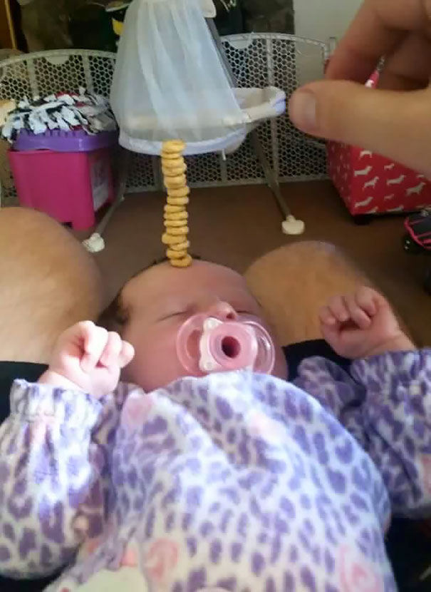 cheerio-challenge-dads-stack-cheerios-babies-funny-competition-2-576518fd715ba__605