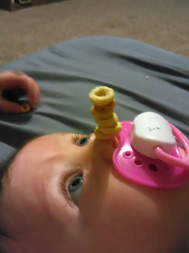 cheerio-challenge-dads-stack-cheerios-babies-funny-competition-4-57651900c347e__605
