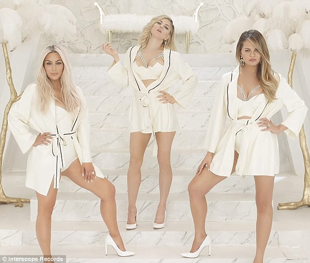 35DF695D00000578-3670759-Mom_squad_Kim_Kardashian_and_Chrissy_Teigen_have_joined_Fergie_s-a-24_1467410862522