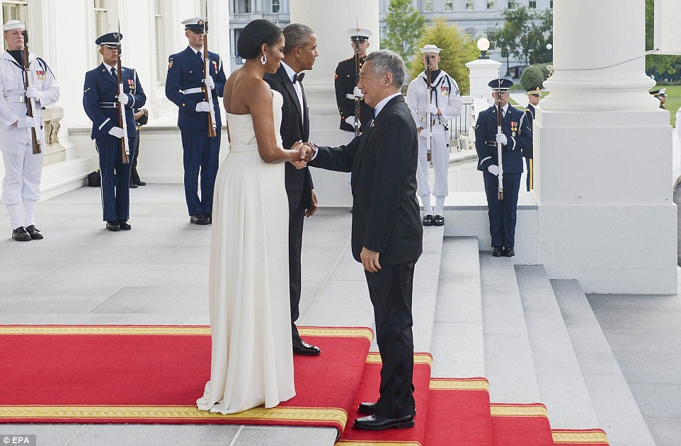 36D1C4C800000578-3720584-First_lady_Michelle_Obama_wearing_one_of_Lady_Gaga_s_favorite_de-a-36_1470187166313
