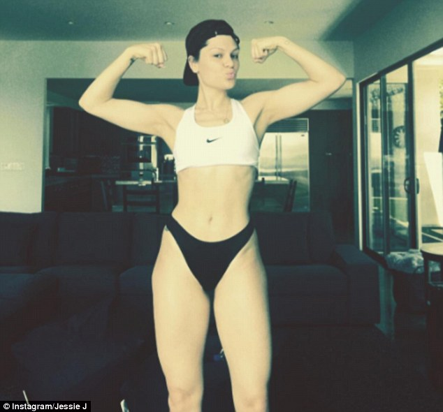 377DD44200000578-3753121-Abs_olutely_fabulous_Jessie_J_unveiled_her_stronger_and_fitter_p-a-13_1471880559020