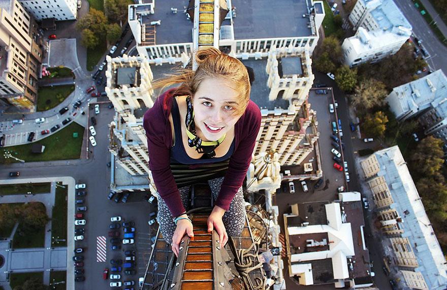roof-climbing-girl-dangerous-selfies-angela-nikolau-russia-11