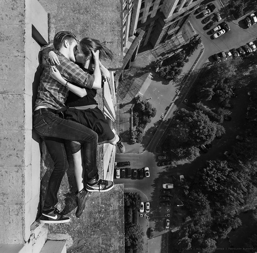 roof-climbing-girl-dangerous-selfies-angela-nikolau-russia-3