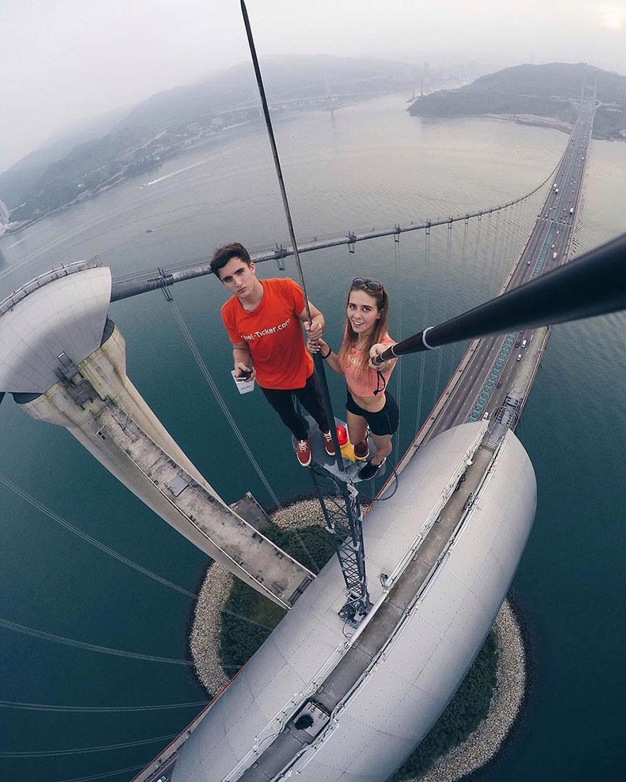 roof-climbing-girl-dangerous-selfies-angela-nikolau-russia-8