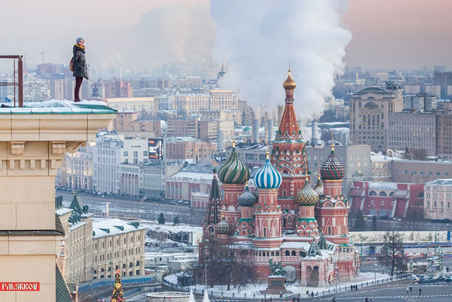 roof-climbing-girl-dangerous-selfies-angela-nikolau-russia-9