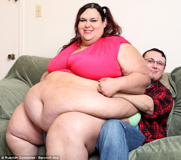 37F5B7AC00000578-3775673-The_27_year_old_is_helped_in_her_goal_by_boyfriend_Sid_who_spend-m-29_1473154815463