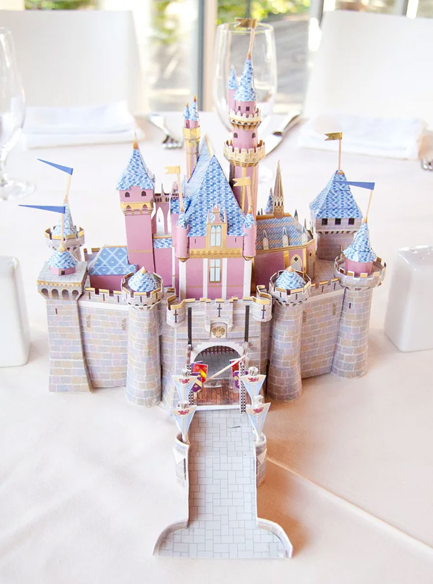 disney-wedding-table-centerpieces-13