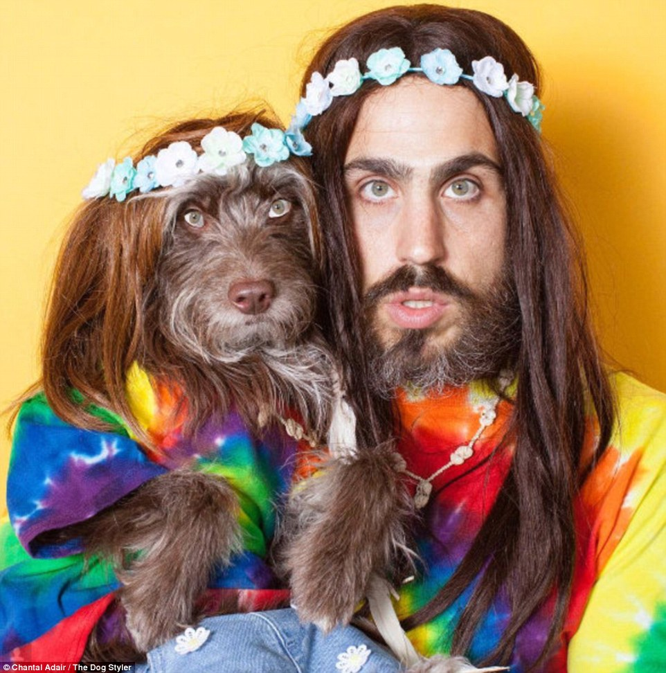 3A2DB1C700000578-3917352-The_pair_regularly_get_dressed_up_this_time_as_a_pair_of_hippies-a-4_1478641930327