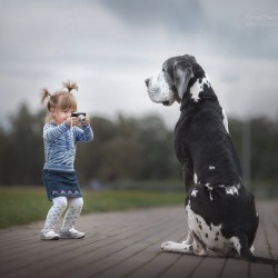 little-kids-big-dogs-photography-andy-seliverstoff-12-584fa91523670__880.jpg