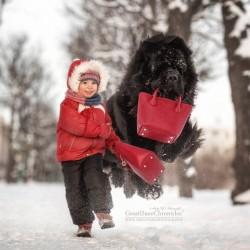 little-kids-big-dogs-photography-andy-seliverstoff-27-584fa932af588__880.jpg