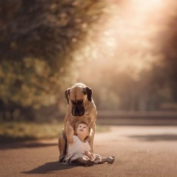 little-kids-big-dogs-photography-andy-seliverstoff-8-584fa90d9599d__880.jpg
