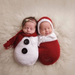 newborn-babies-christmas-photoshoot-knit-crochet-outfits-16-584ac7baa2011__880.jpg