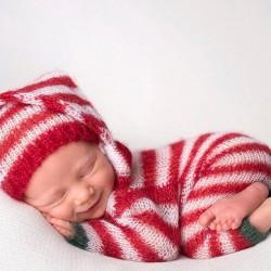 newborn-babies-christmas-photoshoot-knit-crochet-outfits-35-584ea5d0826bf__880.jpg