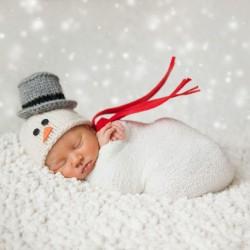 newborn-babies-christmas-photoshoot-knit-crochet-outfits-5-584ac7a386000__880.jpg