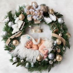 newborn-babies-christmas-photoshoot-knit-crochet-outfits-8-584ac7abc56f3__880.jpg
