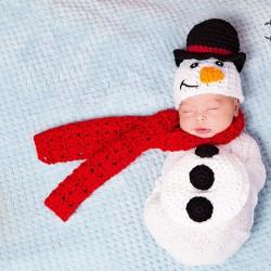newborn-babies-christmas-photoshoot-knit-crochet-outfits-86-584fa15c1eb5f__880.jpg