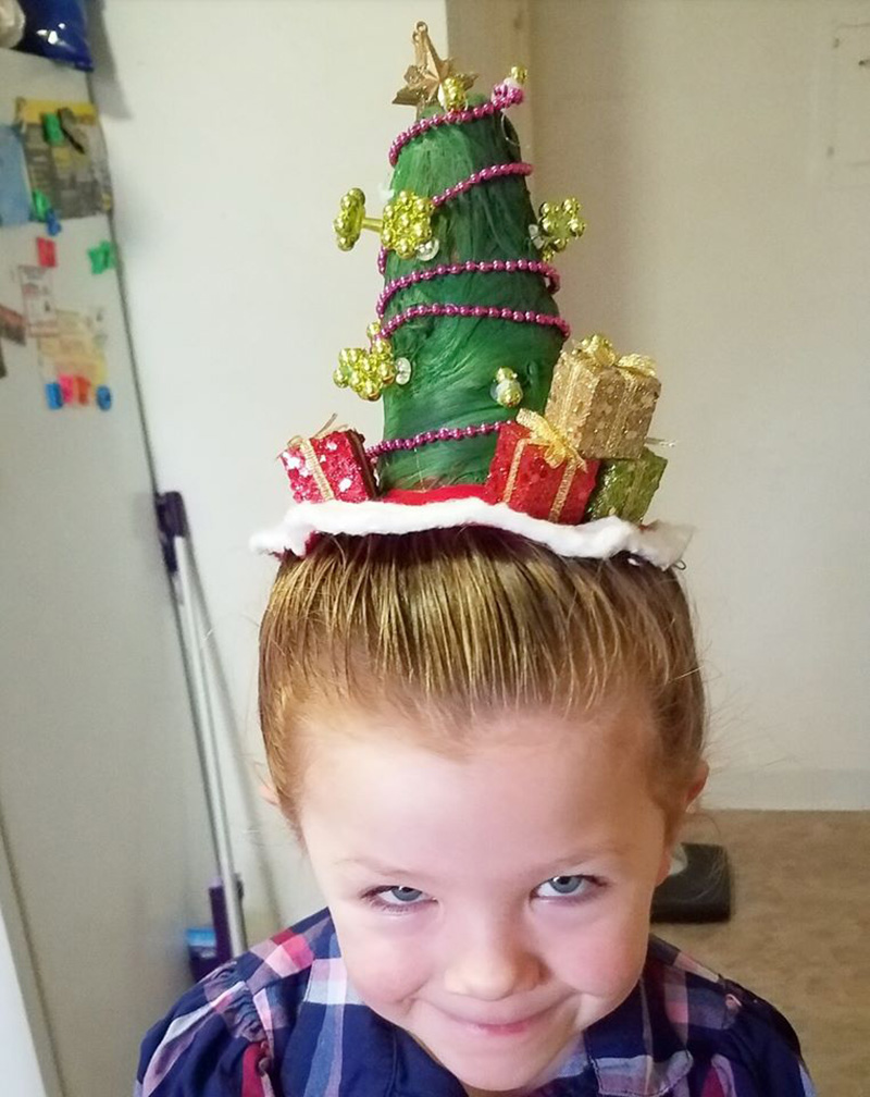 dad daughter amazing Christmas hair