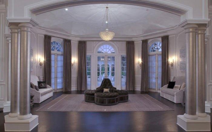 Beyonce-Jay-Z-Buy-LA-Mansion-Petra-Ecclestone-06