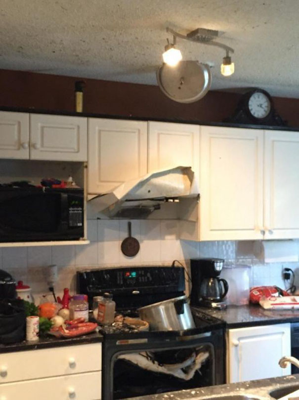 funny-kitchen-cooking-fails-3-589046386a159__605